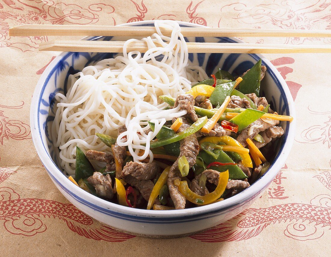 Asian style ostrich with rice noodles