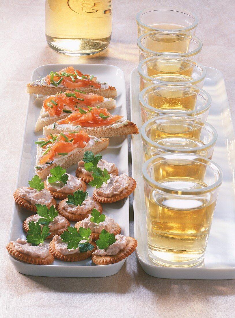 Tuna & cheese cracker and smoked salmon snack with aperitif