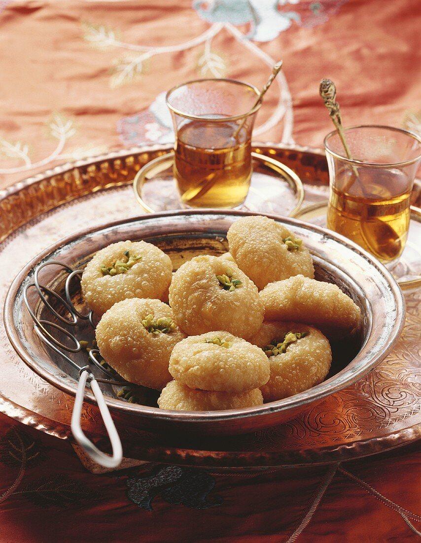 Hanim göbegi (Ladies' navels, Turkish cakes)