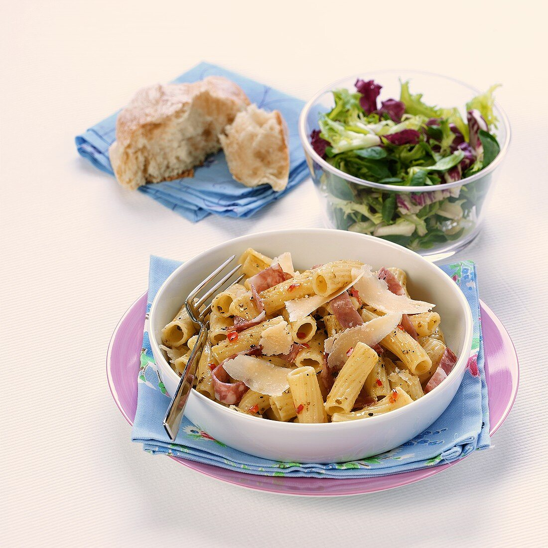 Pasta with ham and side salad
