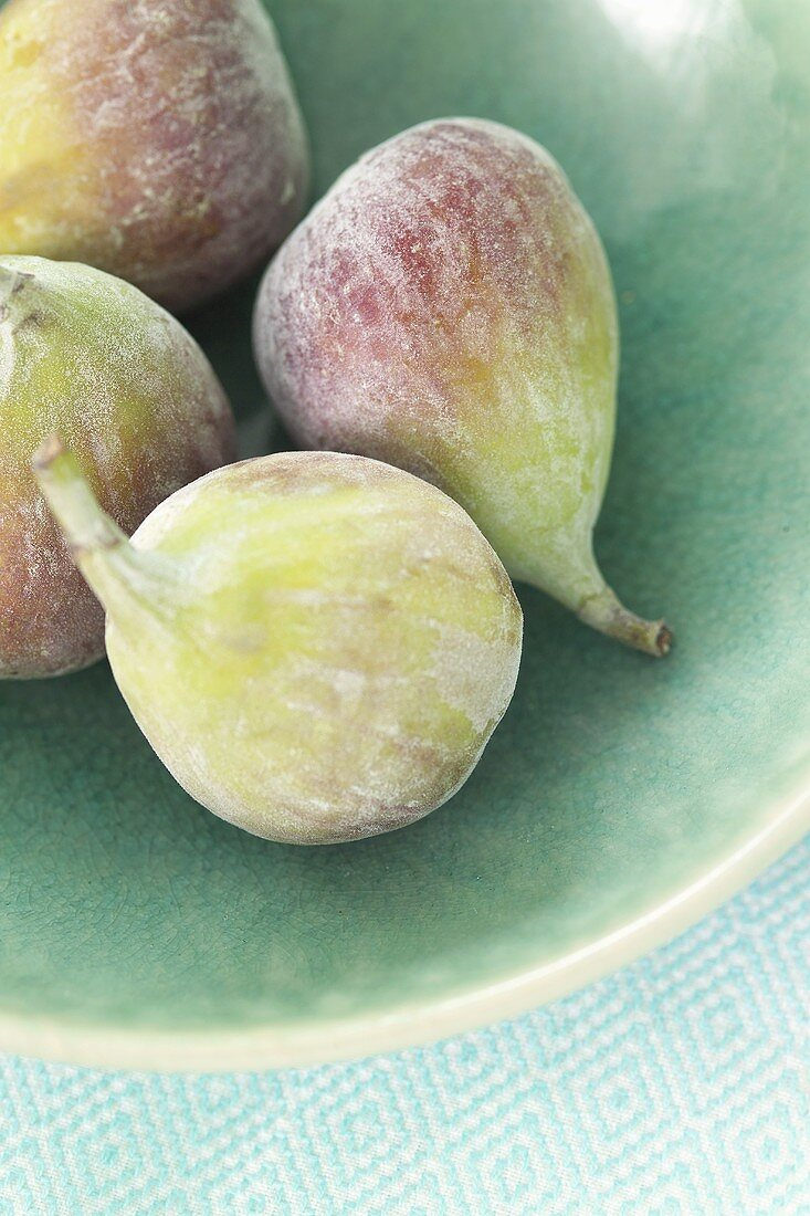 Four figs in a bowl