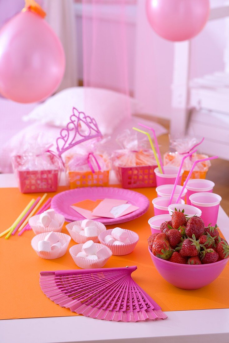 Marshmallows and strawberries for children's party