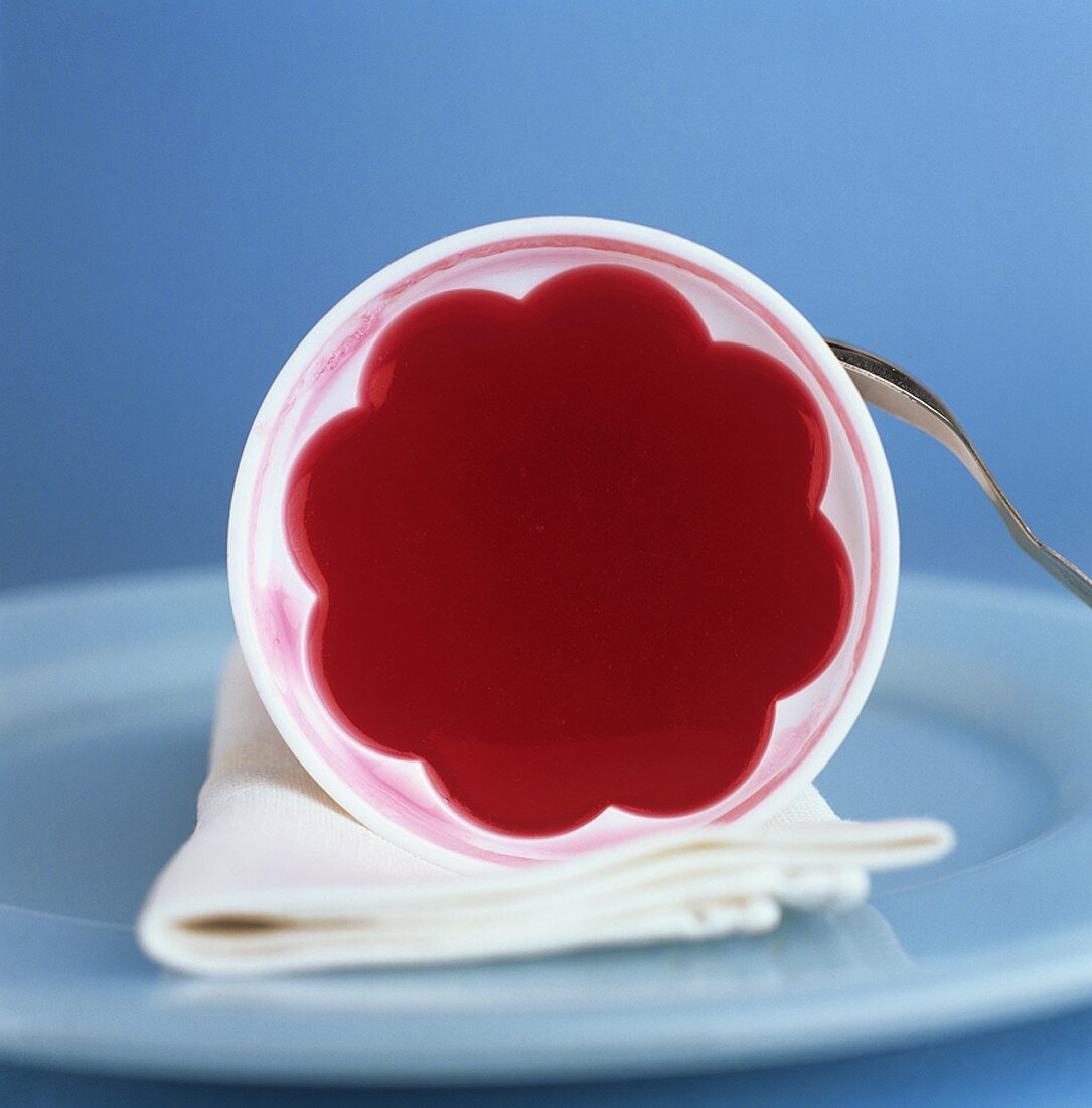 Red fruit jelly in a jelly mould