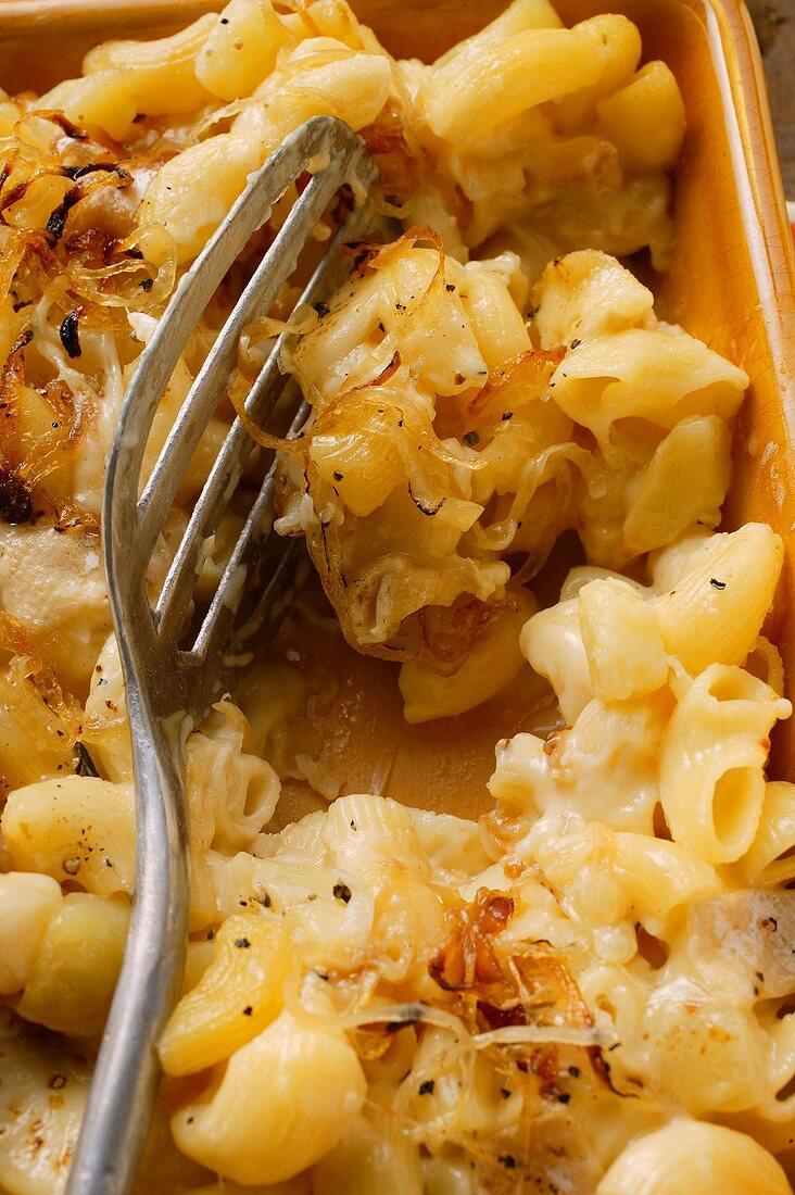 Aelpler Magronen: Makkaroni-Kartoffel-Auflauf aus der Schweiz