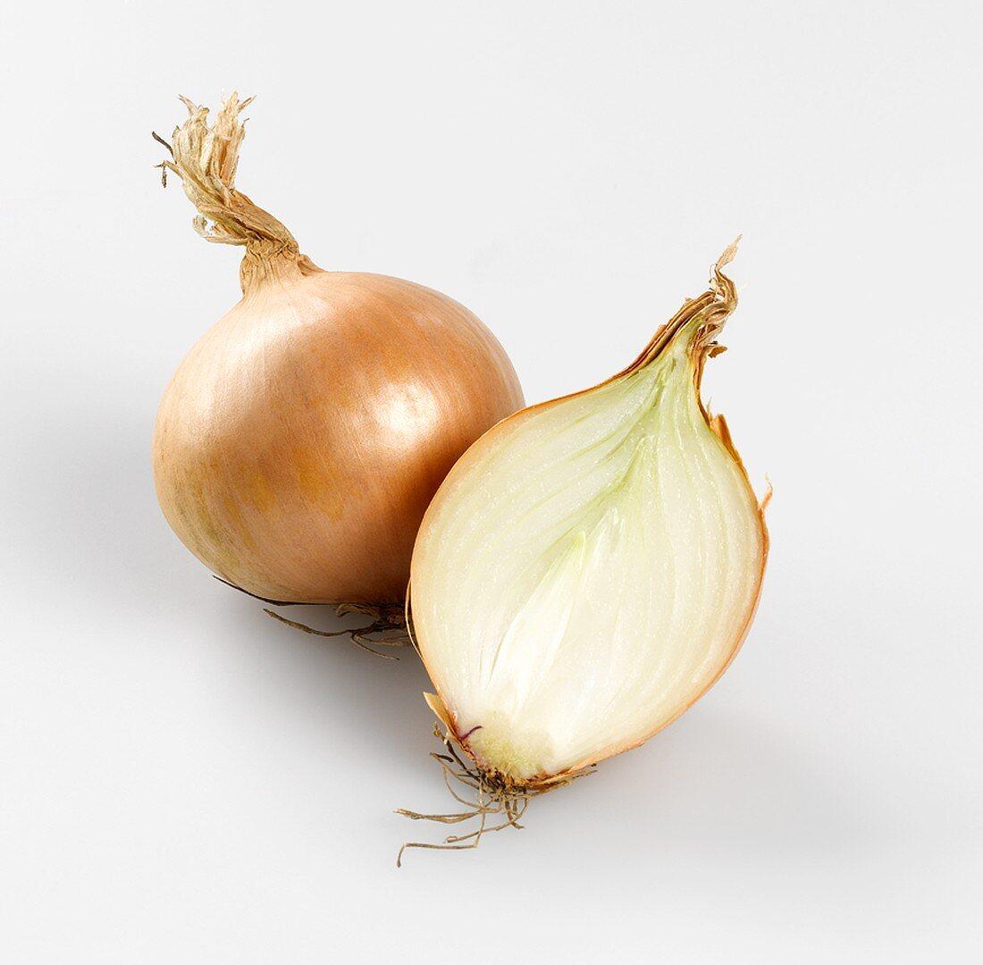 Whole onion and half an onion
