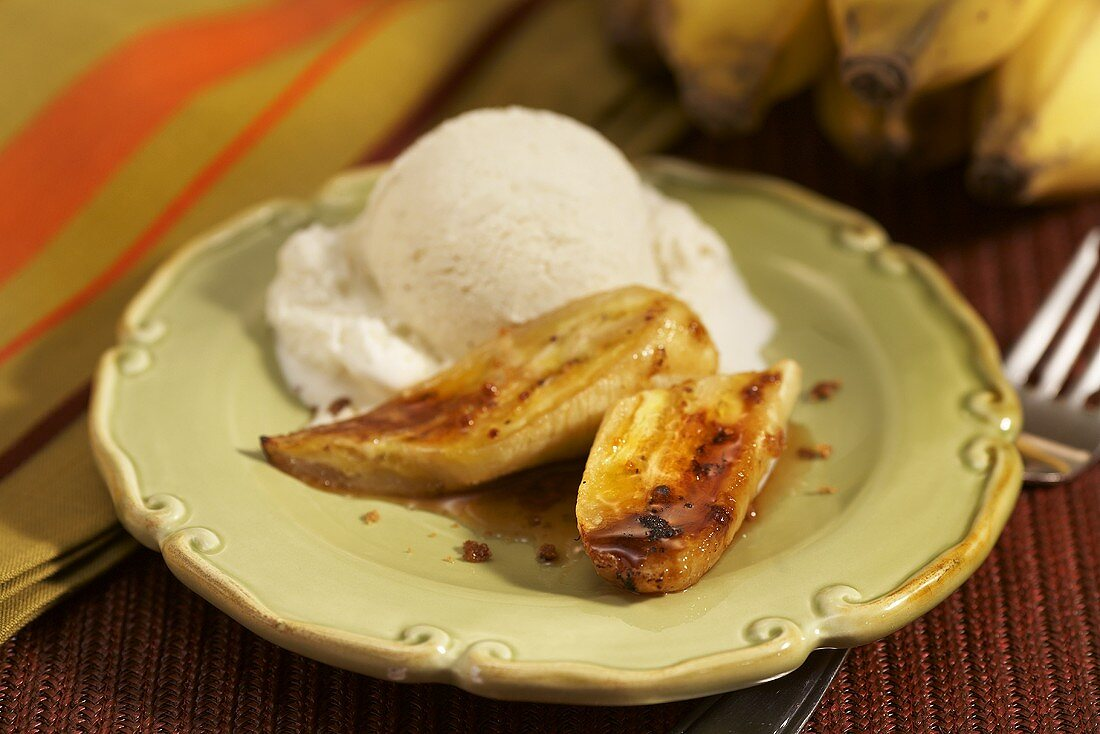 Caramelised bananas with a scoop of vanilla ice cream