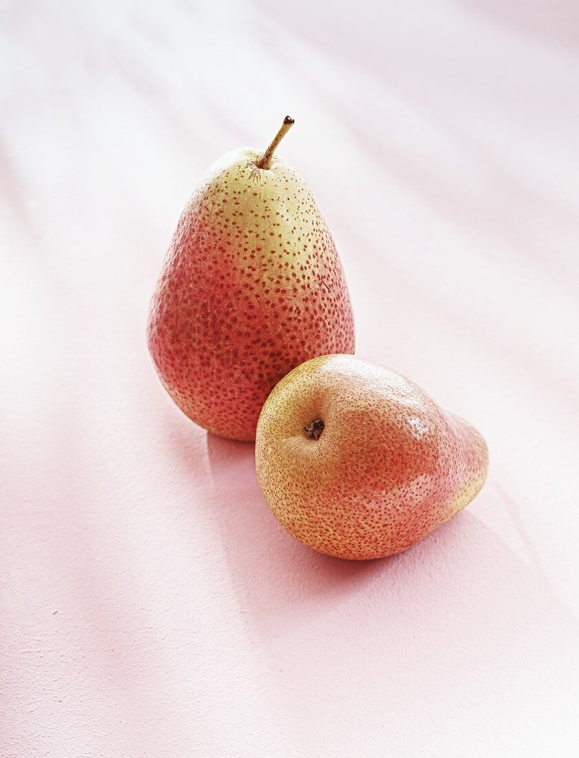 Two Forelle pears