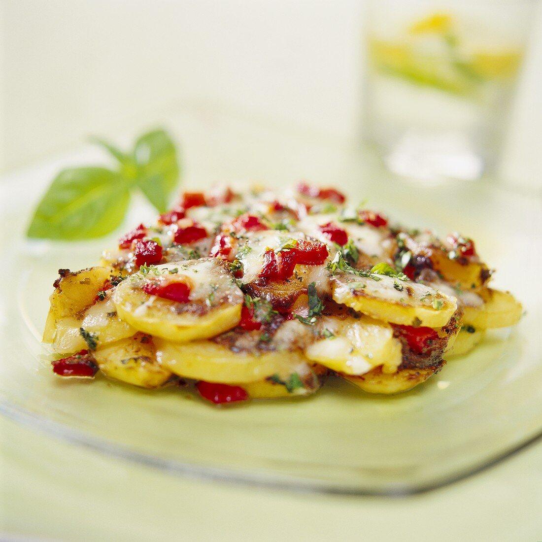 Potato, red pepper and mozzarella bake