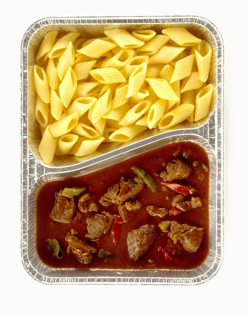 Beef goulash with peppers and pasta