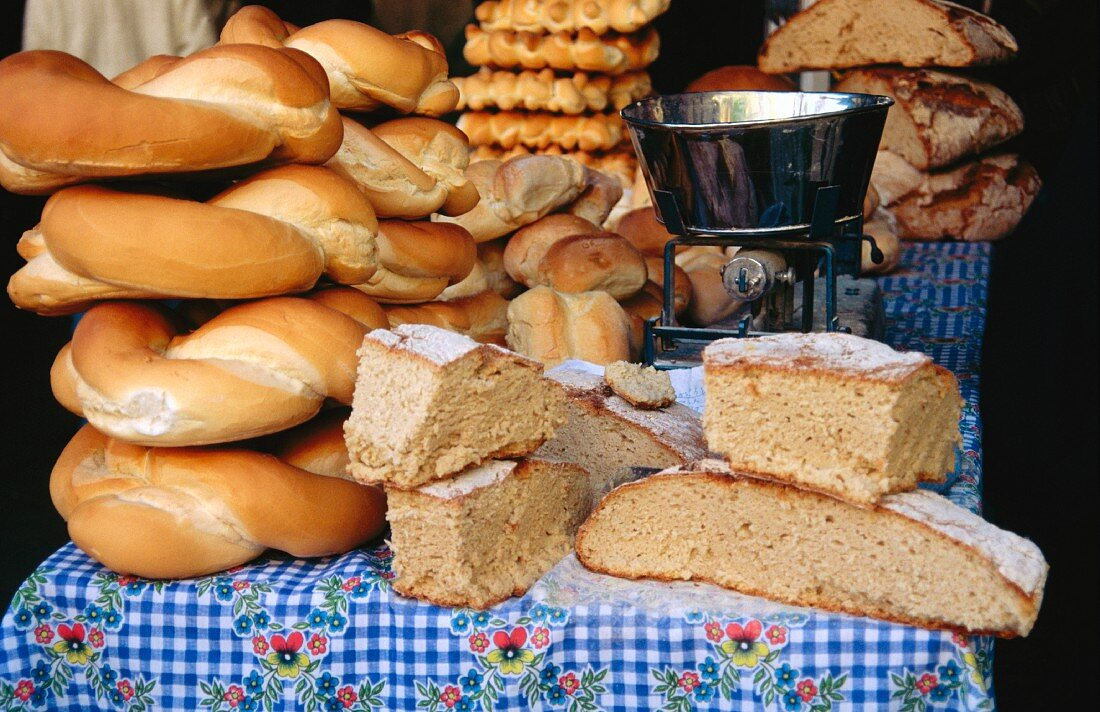 Various types of Italian bread