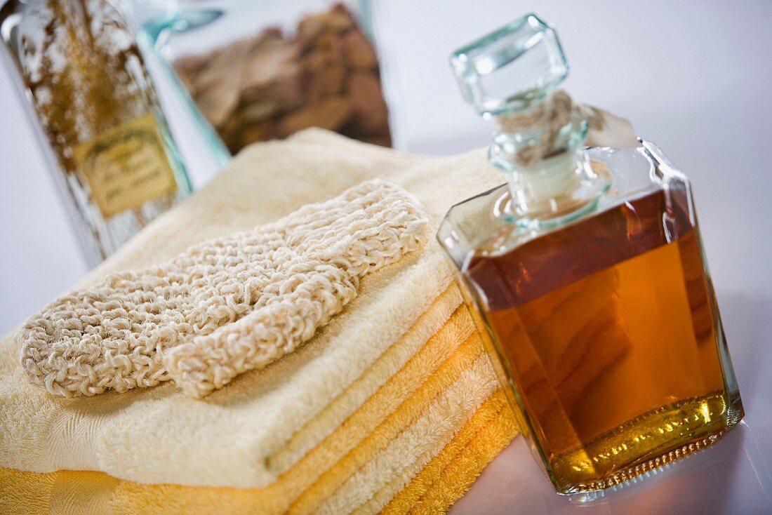 Bath products: towels, exfoliating mitt and bath essences