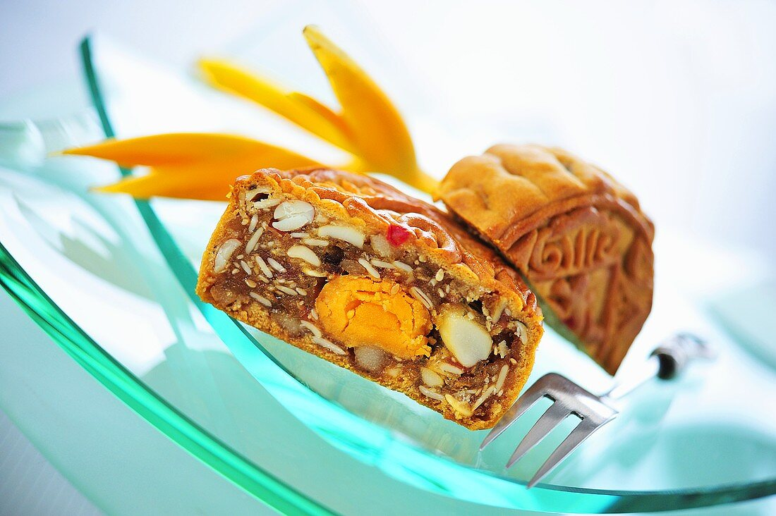 Mooncake filled with salted egg (China)