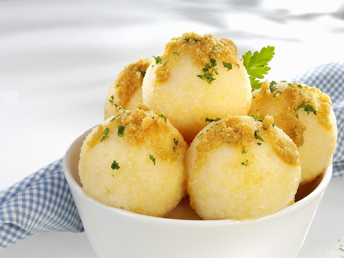 Potato dumplings with buttered breadcrumbs and parsley