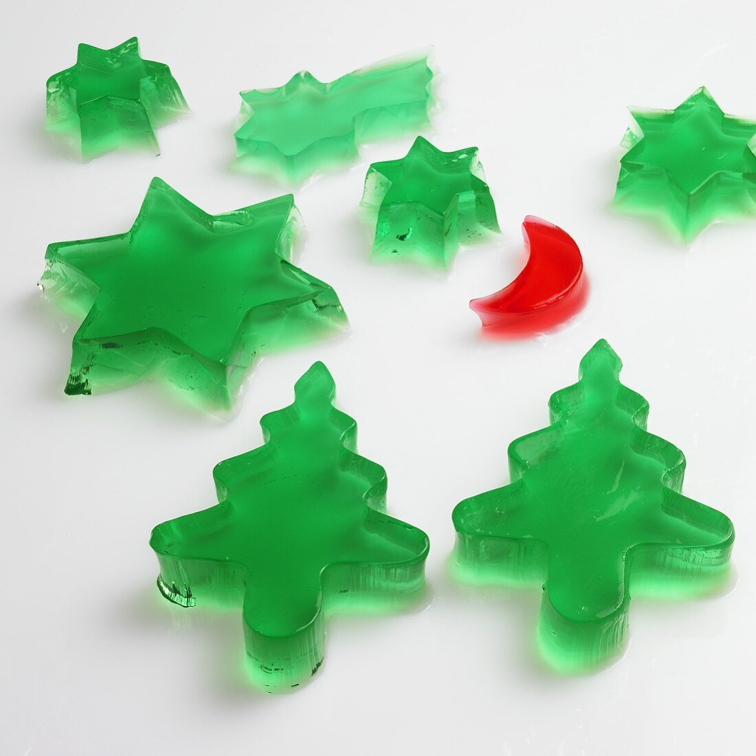Jelly stars, moon and trees (woodruff and raspberry jelly)