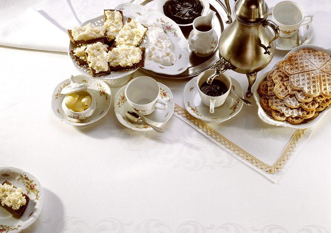 Bergian Coffee Table
