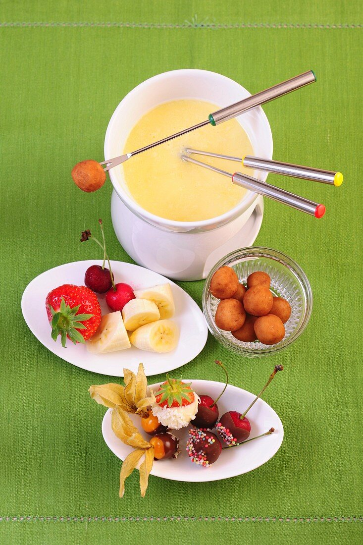 White chocolate fondue with coconut
