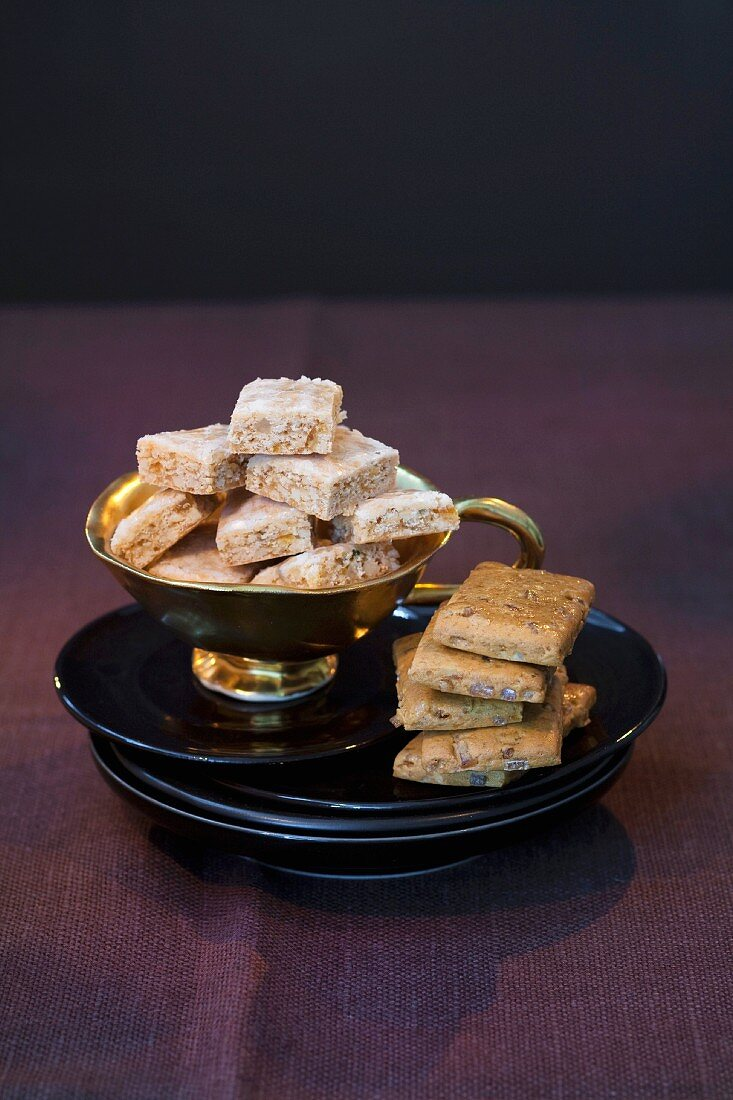 German gingerbread classics: Aachener Printen & Basler Leckerli (hard spiced biscuit from Basel, Switzerland)