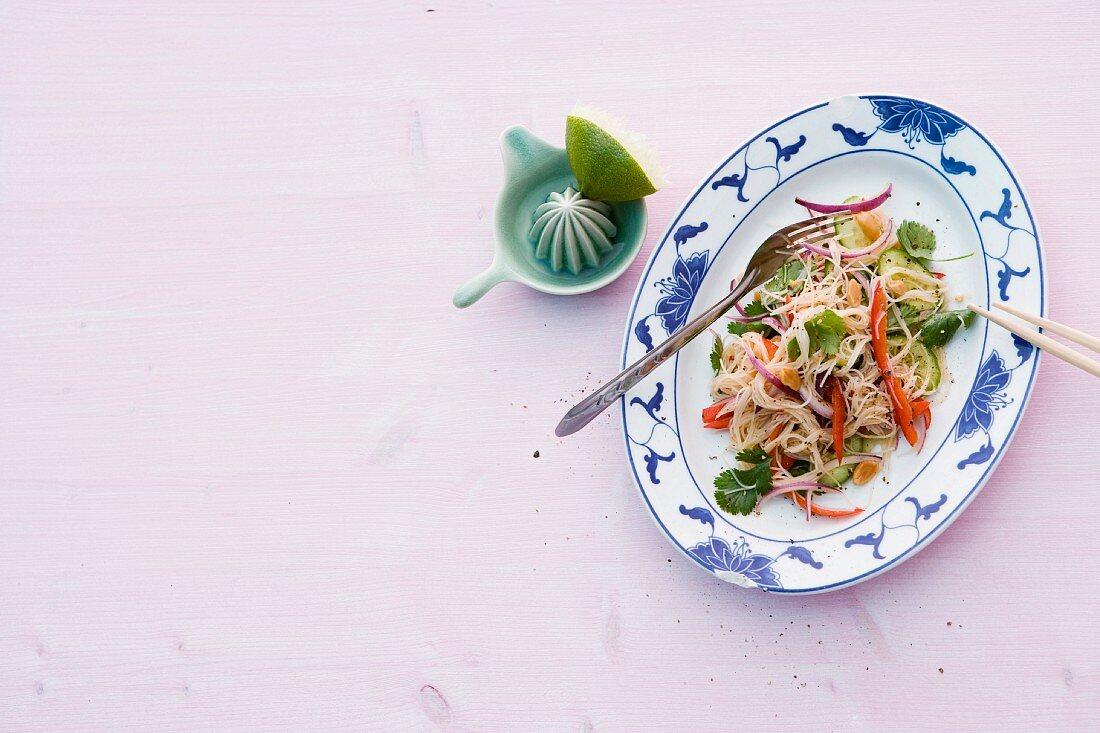 Vegetarian rice noodle salad (Thailand)