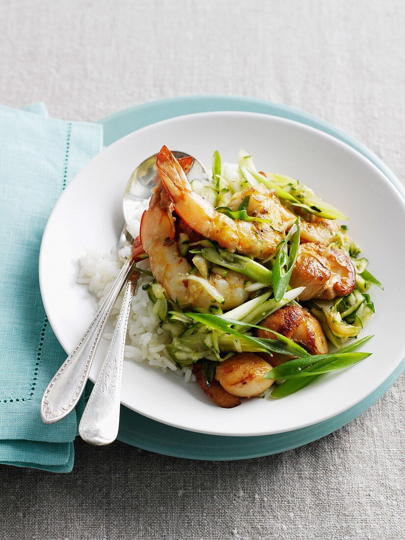 Plate of prawns with rice and onions