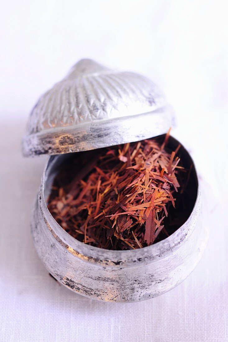 Lapacho tea in a silver tin