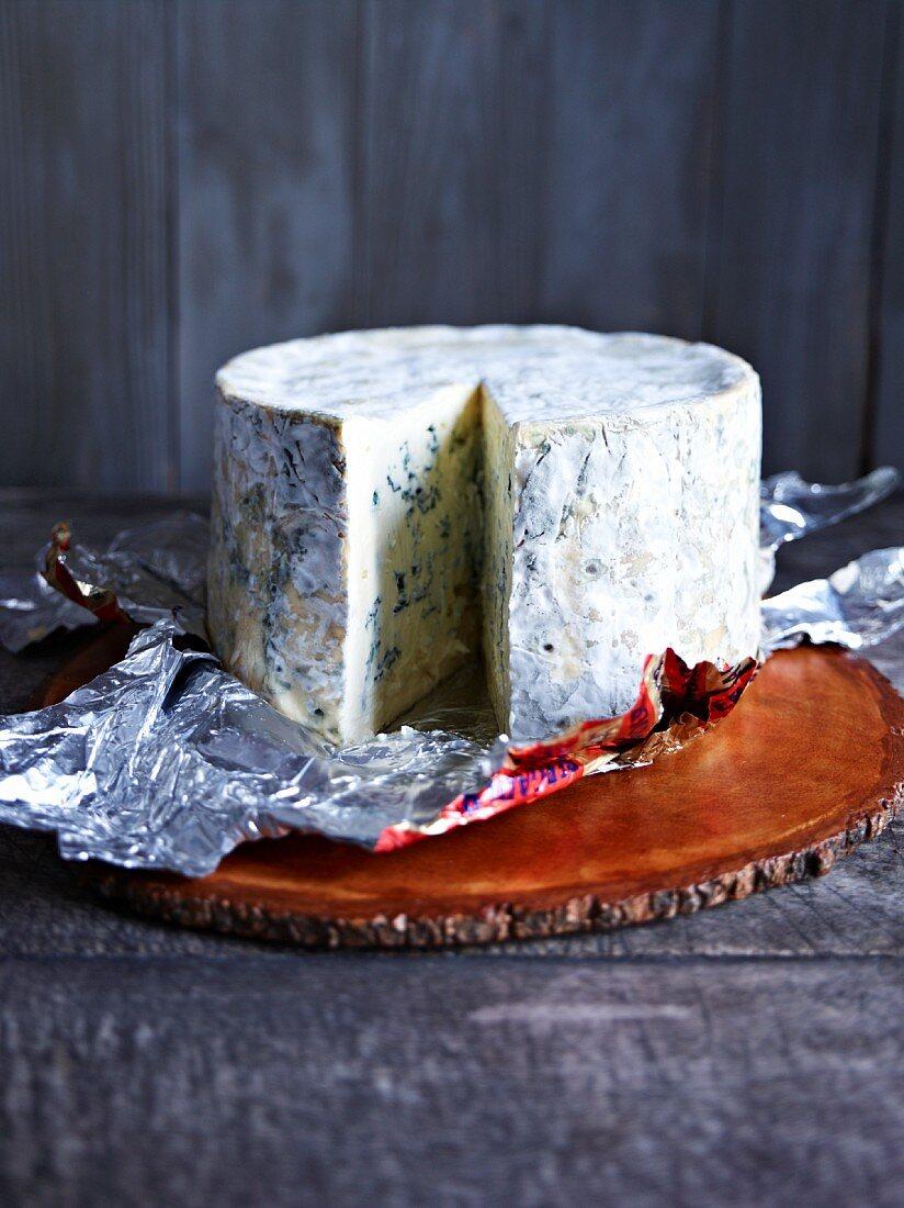 Bavaria Blue, sliced
