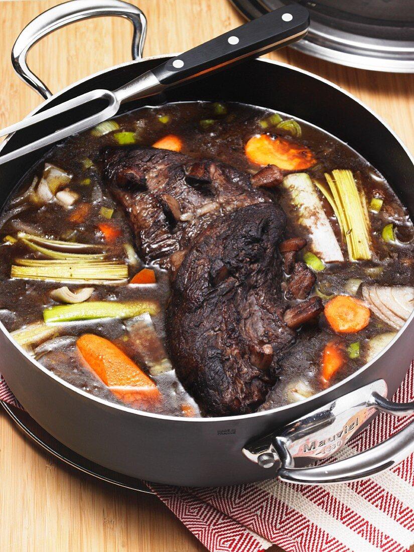 Braised beef with vegetables