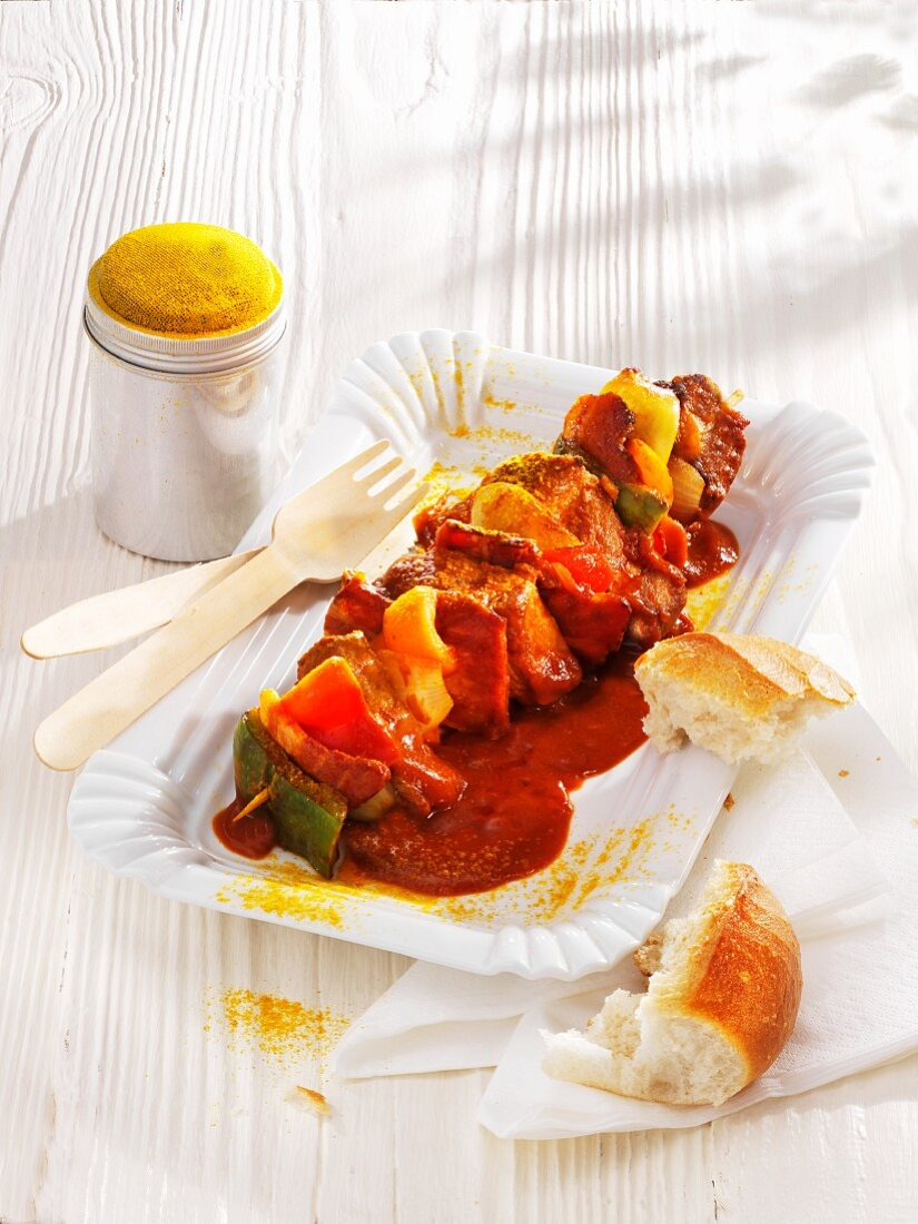 Braised shashlik kebab with ketchup and curry