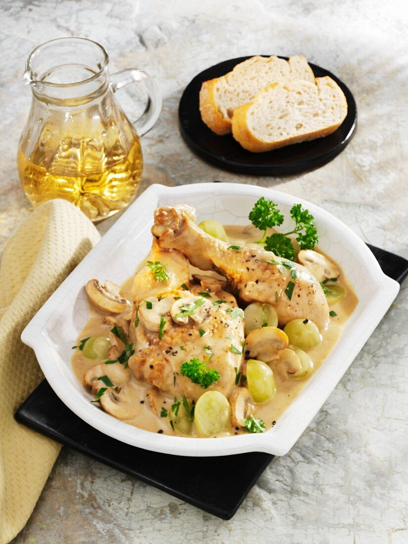 Chicken with mushrooms and grapes in a Riesling sauce
