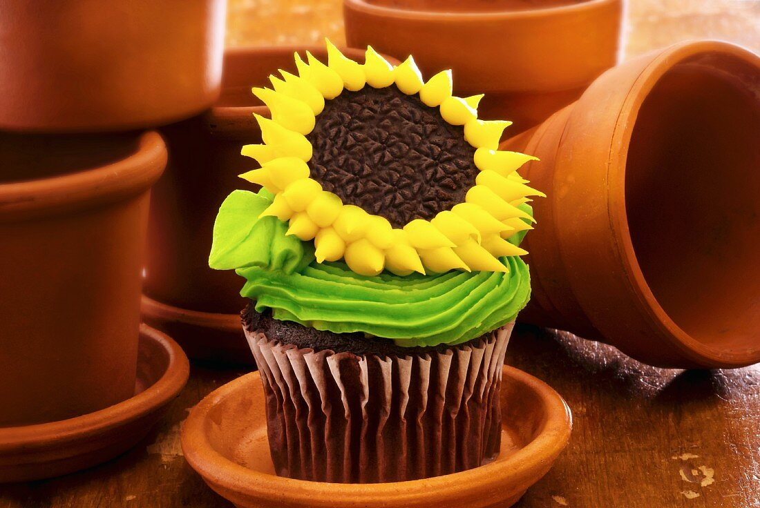 Sunflower Cupcake With Clay Flower Pots License Images 11129311 Stockfood