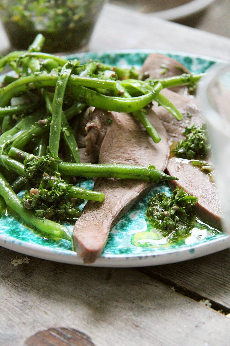 Veal tongue with green beans