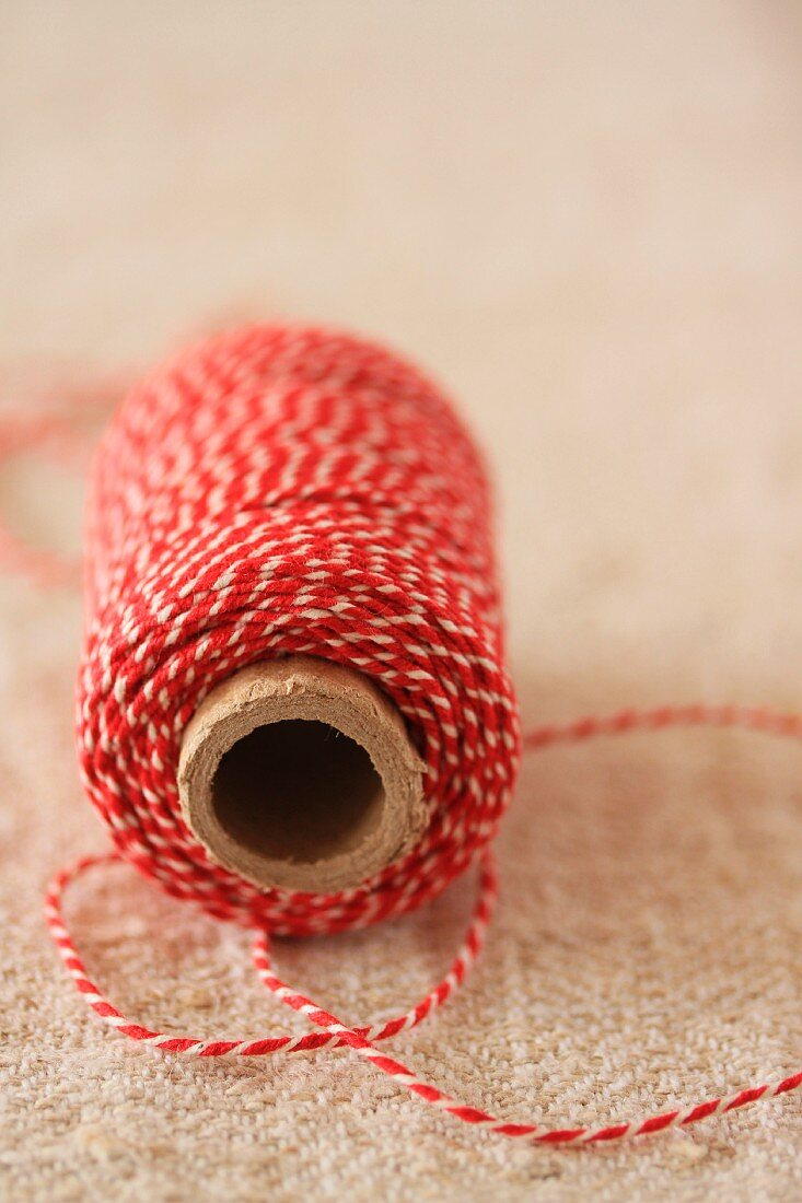 A ball of kitchen string