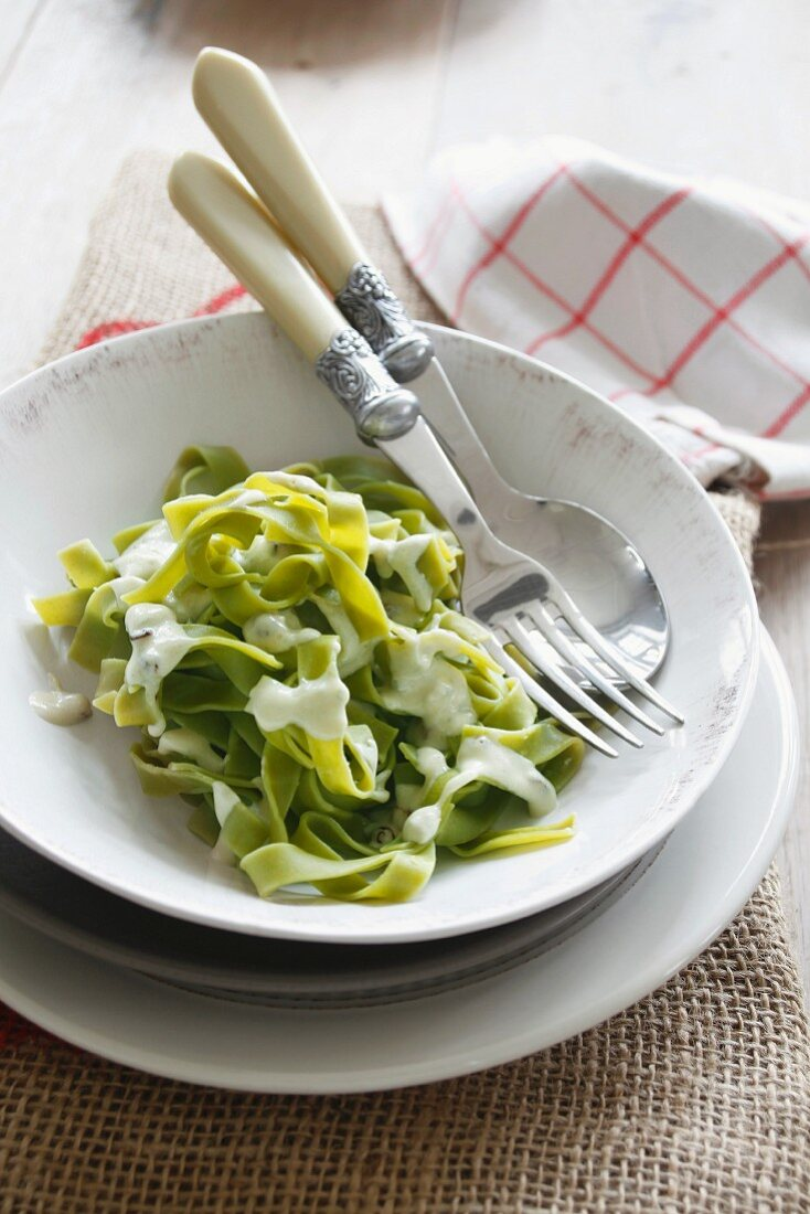 Spinach pasta with Gorgonzola sauce