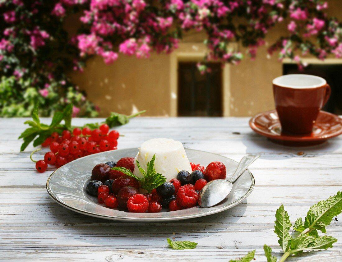 Berry salad with ricotta and lemon cream