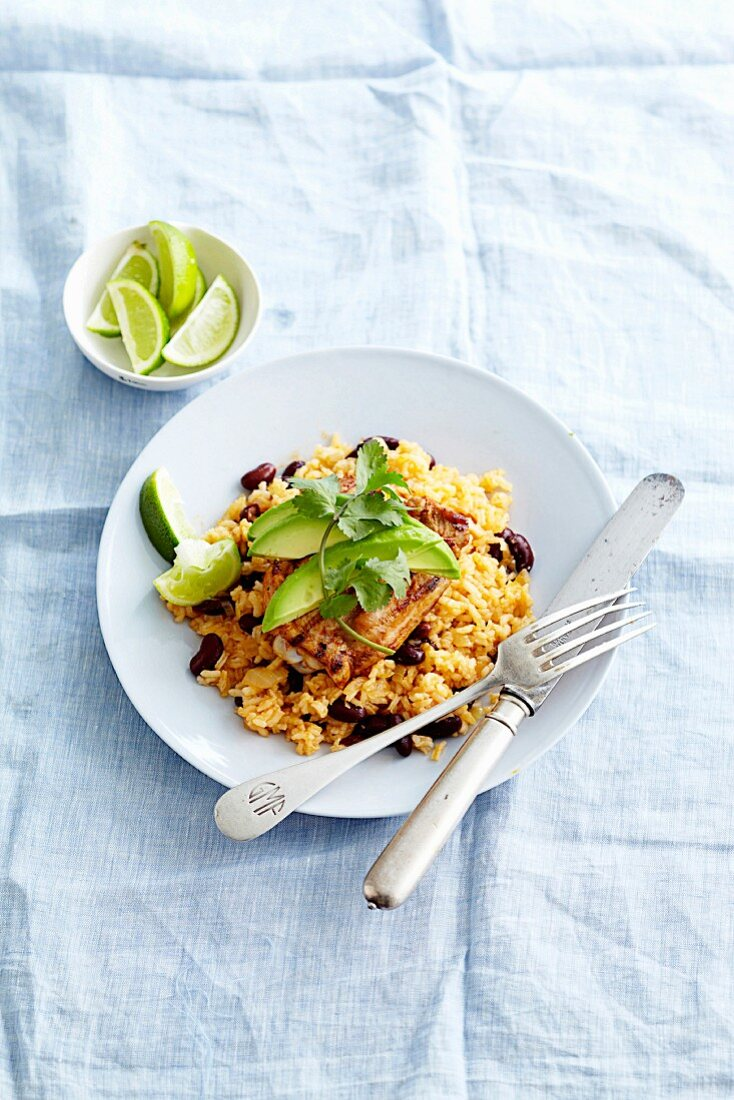 Rice with beans, marinated chicken and avocado