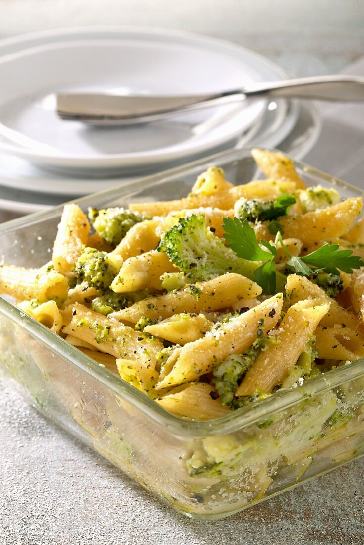 Penne ai broccoli (pasta with broccoli and parmesan)