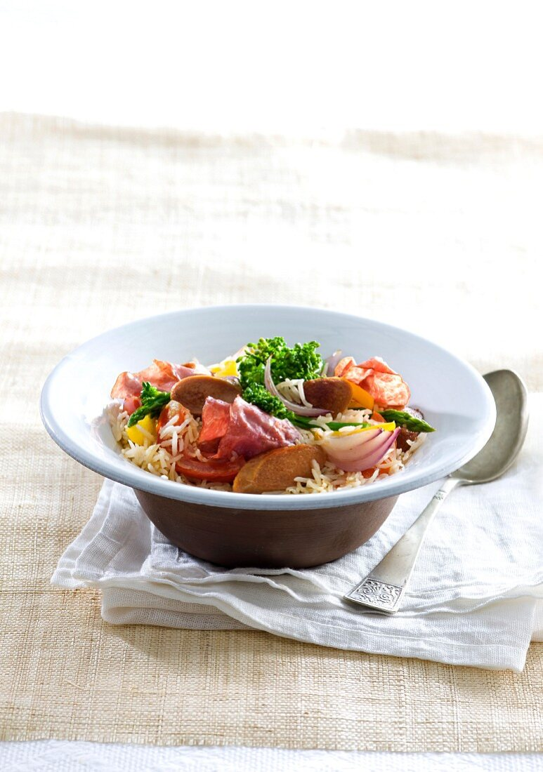 Fried rice with sausage and vegetables