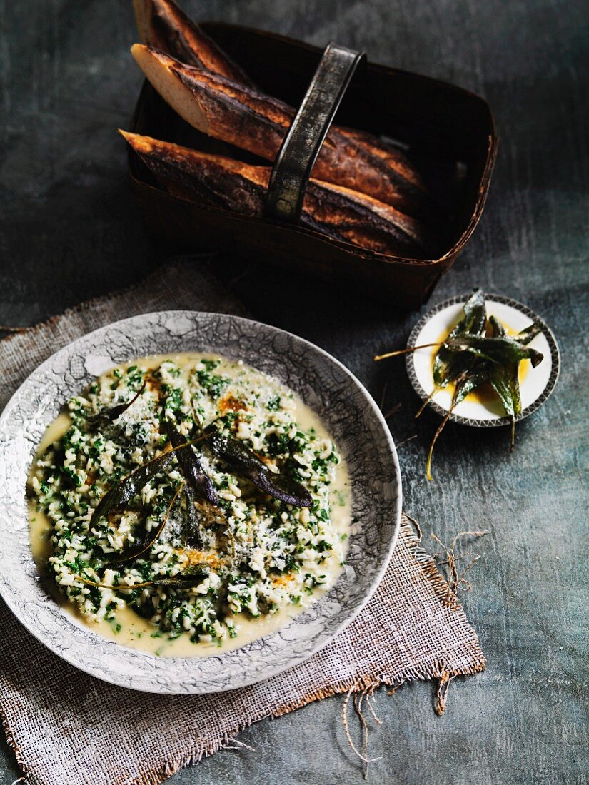 Green risotto with Piave vecchio and sage