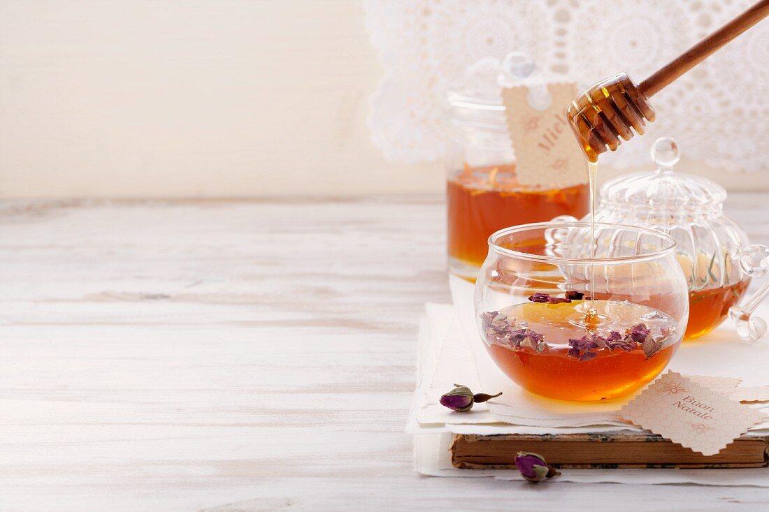 Assorted flavoured honey mixtures (Italy)