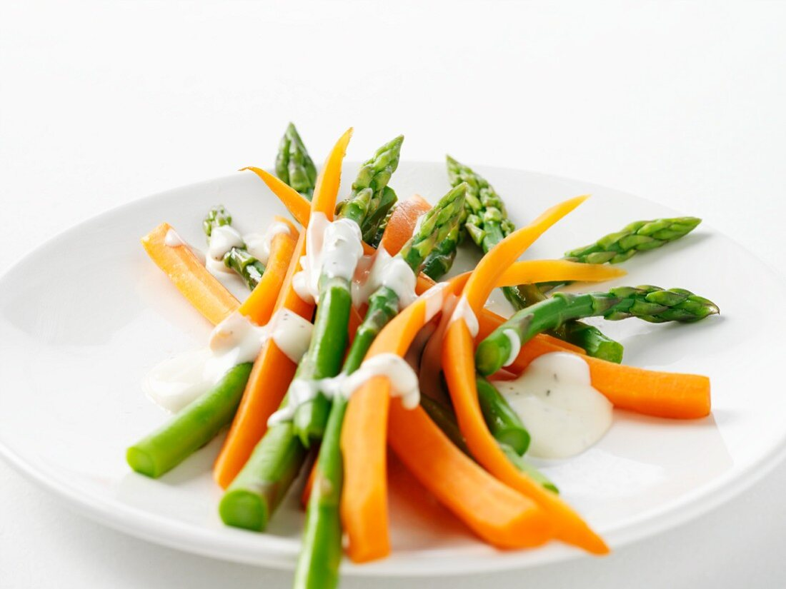 Carrots and asparagus with ranch dressing
