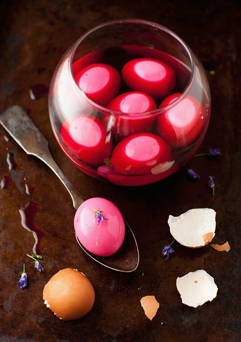 Pickled Eggs with Beet Juice