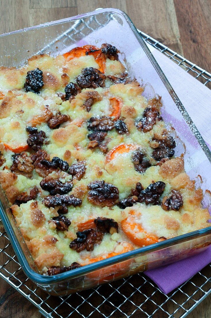 Apricot crumble with walnuts