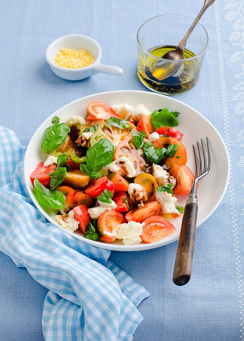 Tomato salad with basil and mozzarella