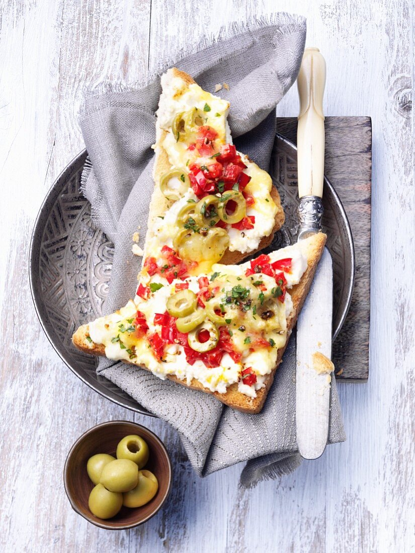 Toast with olives and peppers
