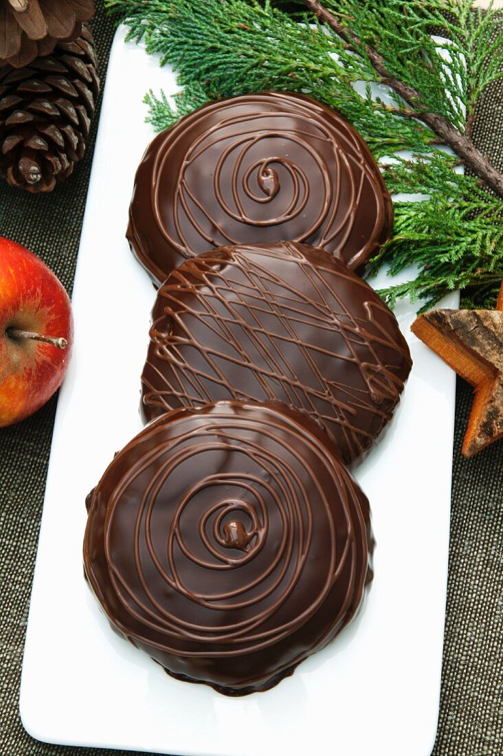 Chocolate-coated Elisen gingerbread