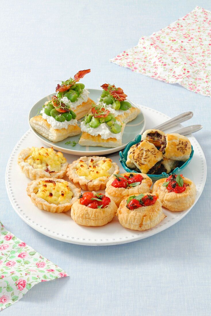 Nibbles made with puff pastry