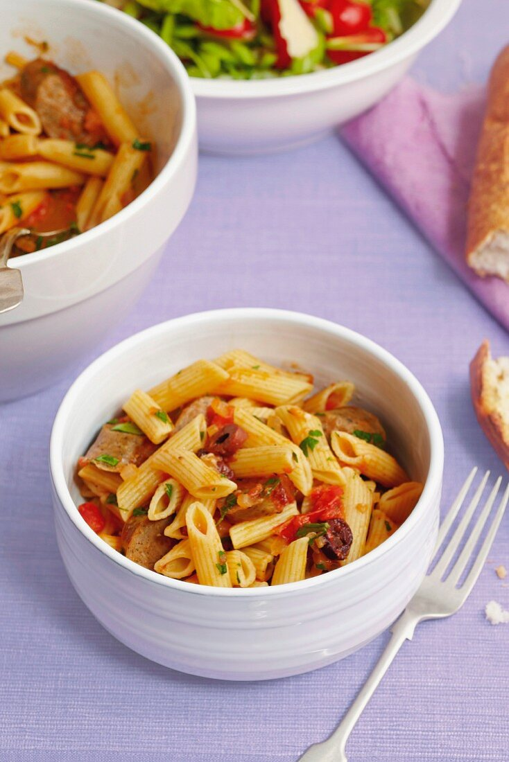 Penne with lamb and tomatoes