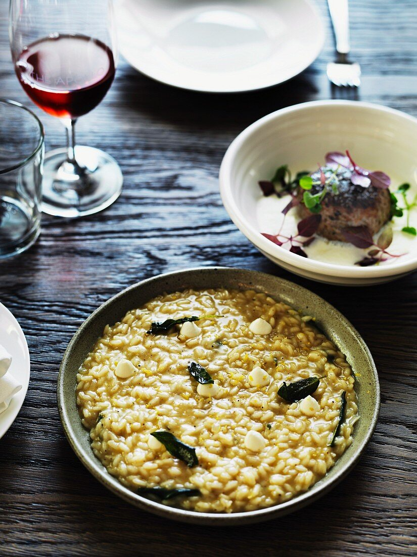 Pepper rice with Greek yoghurt and veal sweetbread burgers in a lemon sauce