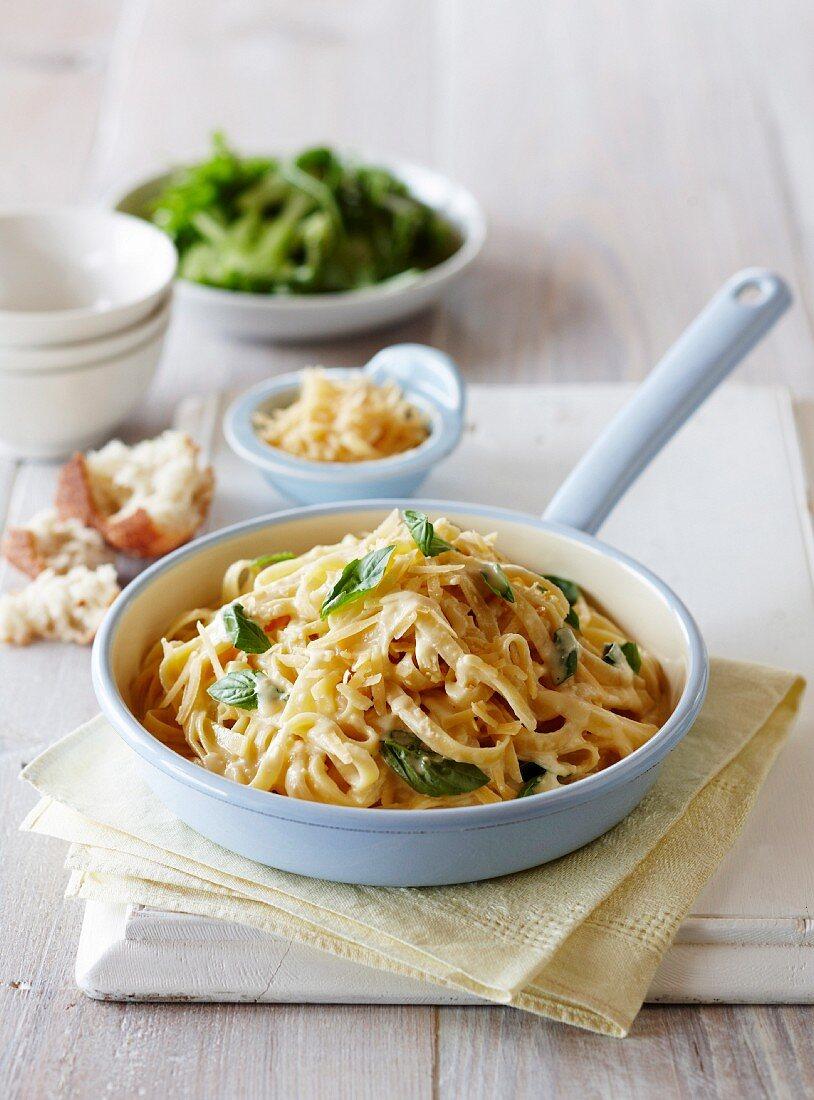 Pasta alfredo with basil