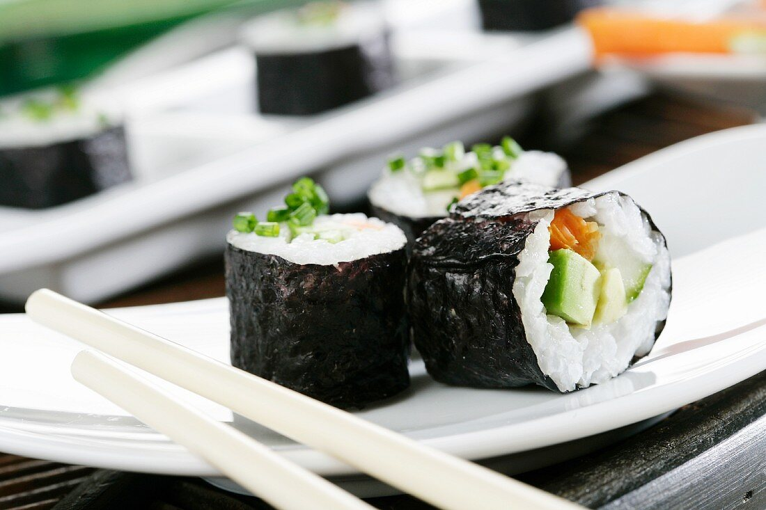 Maki, carrots, avocado, cucumber