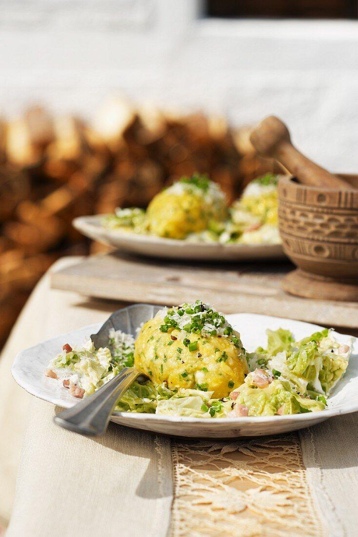 Cheese dumplings on Savoy cabbage